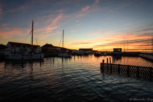 Løgstørs Freizeithafen im Abendlicht